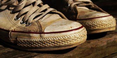 sepatu yellowing atau menguning
